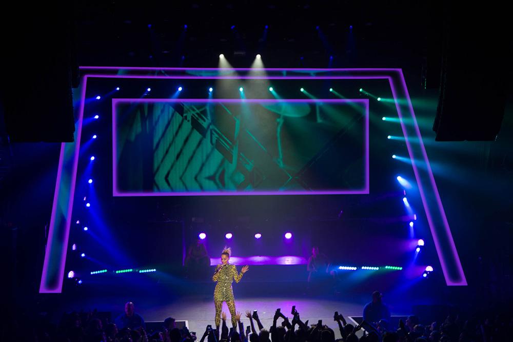 VMA T5 1 Rita Ora
